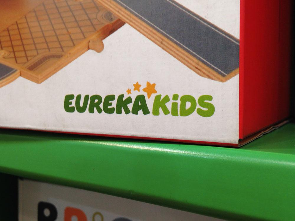 New Logo for EurekaKids by Marçal P.