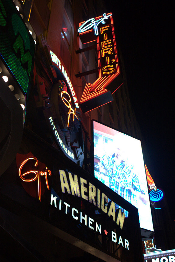 Guy's American Kitchen and Bar Logo