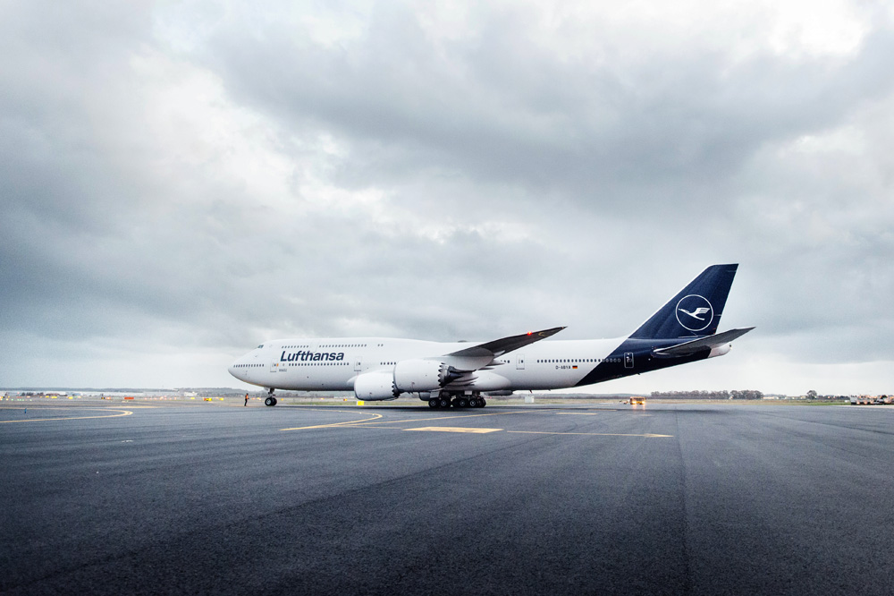 New Logo, Identity, and Livery for Lufthansa done In-house with Martin et Karczinski