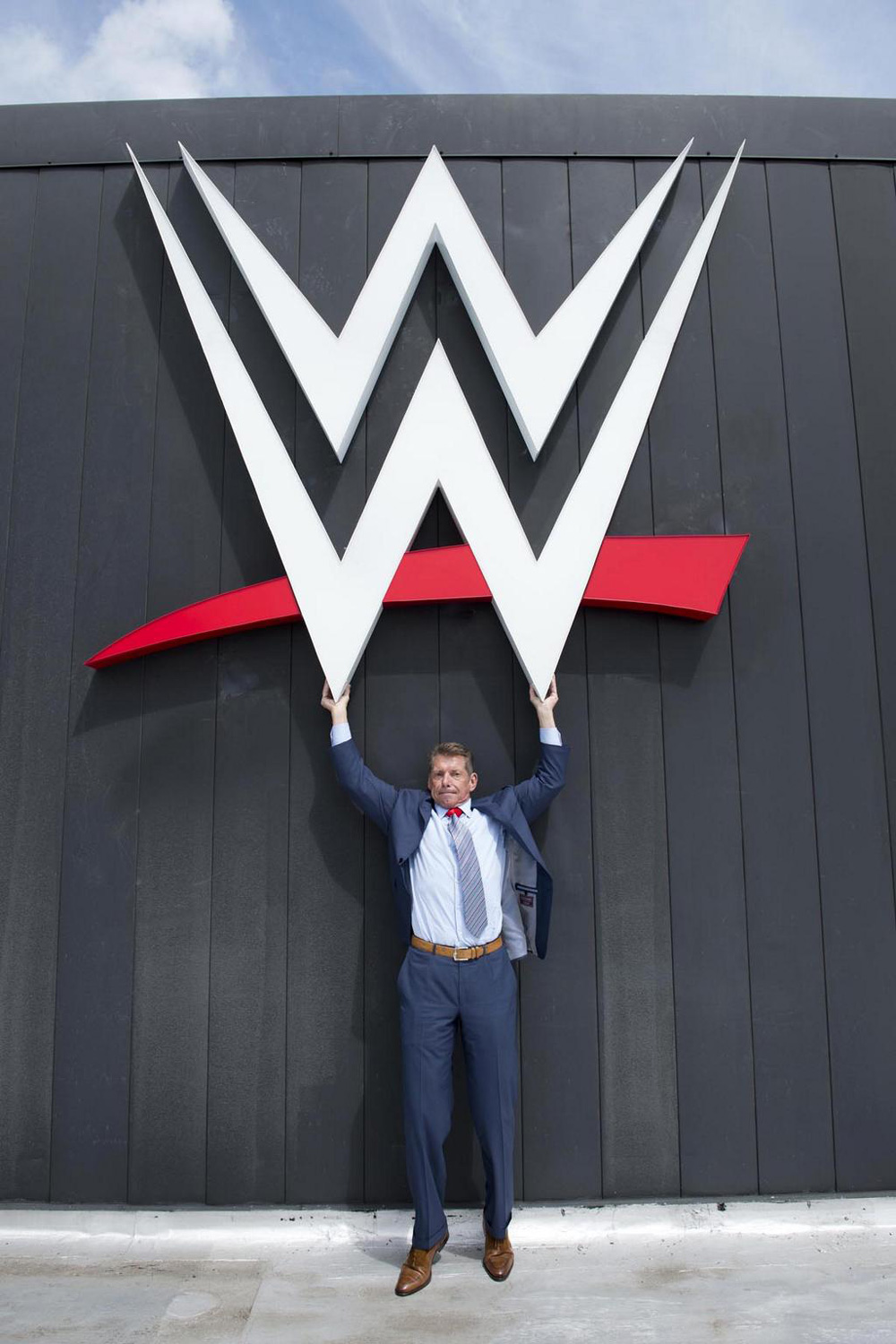 brand new new logo for wwe