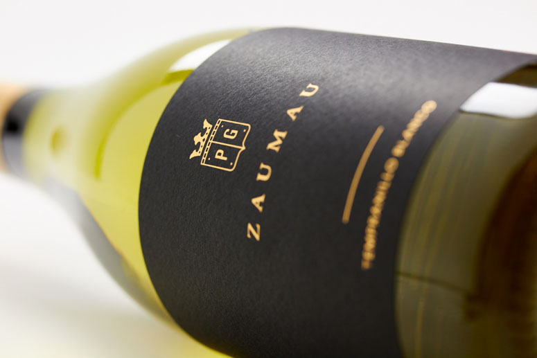 Zaumau Wine Packaging