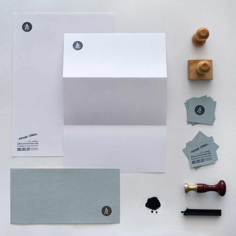 Arturo Comas Stationary